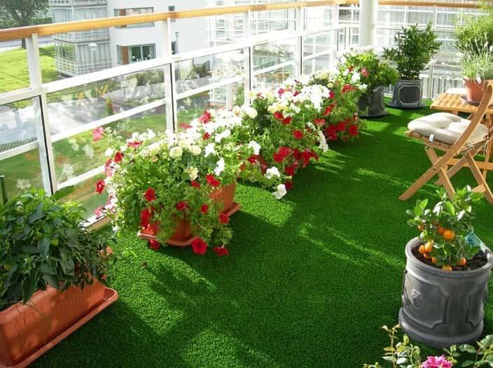Artificial grass carpet for balcony