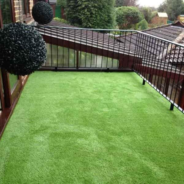 artificial grass for balcony