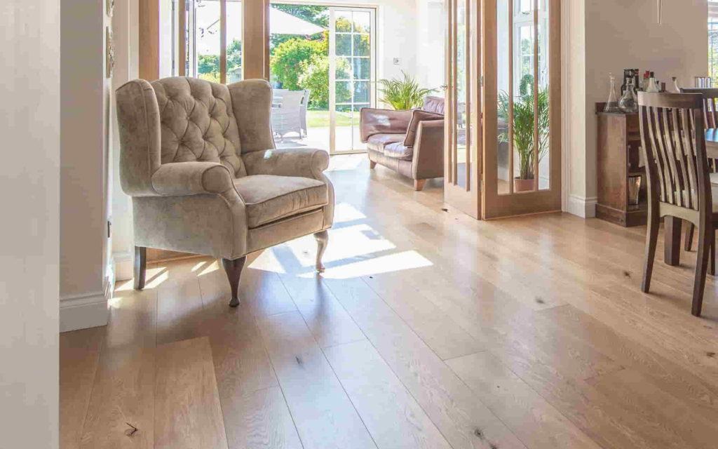 solid oak wood flooring in Dubai